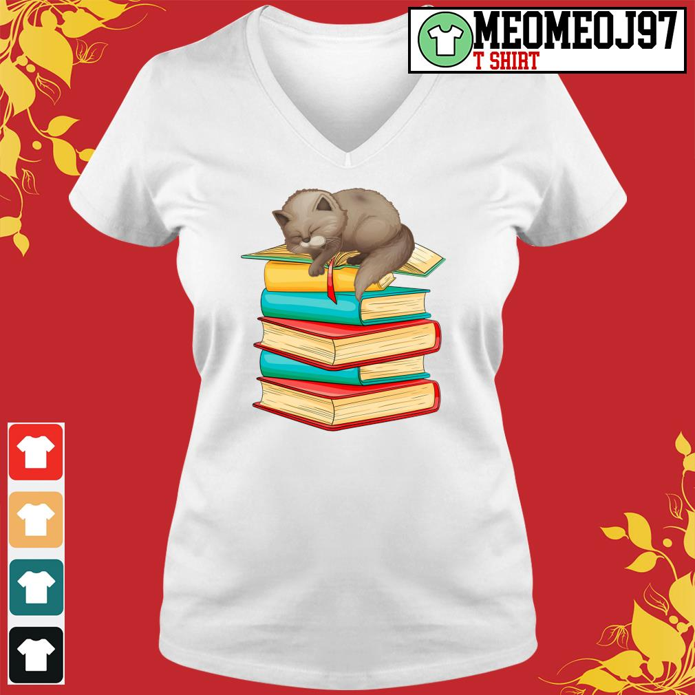 Cats sleep with books s V-neck-t-shirt